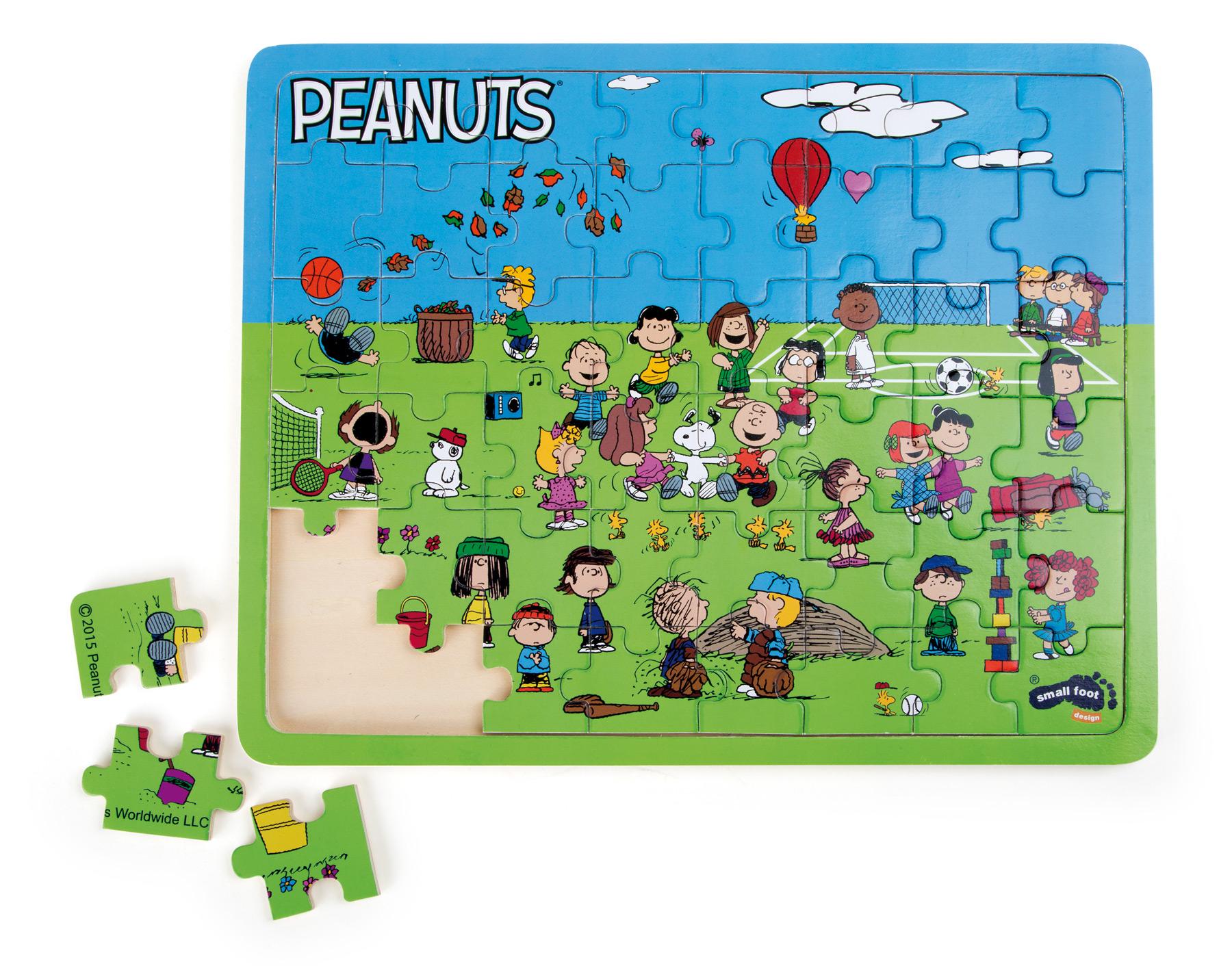 Small Foot Vkladacie puzzle Snoopy na ihrisku 48ks