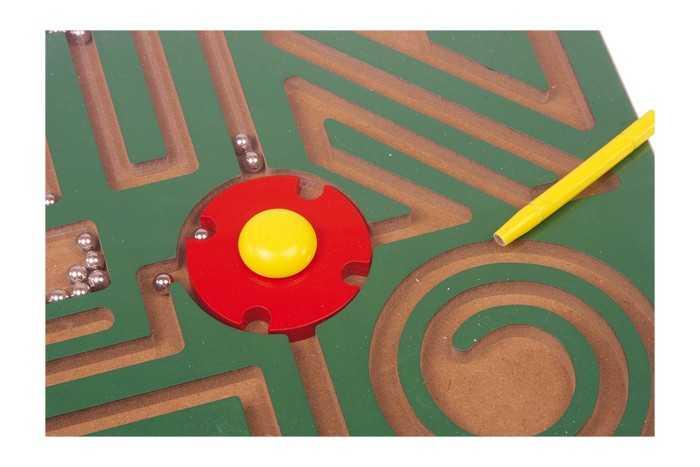 Small Foot Drevené hračky magnetické bludisko abstrakt