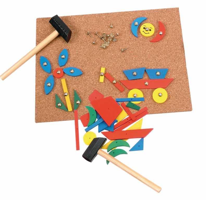 Dřevěné hračky Woody - Deska s přibíjecími tvary