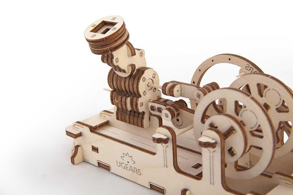 Ugears Drevená stavebnica 3D mechanické Puzzle Motor