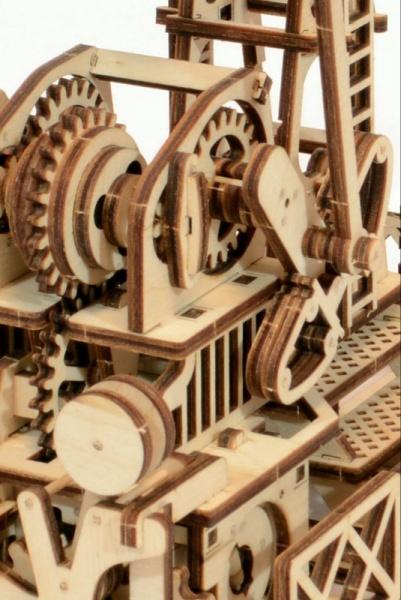 Wood Trick 3D mechanické puzzle - Ropný žeriav